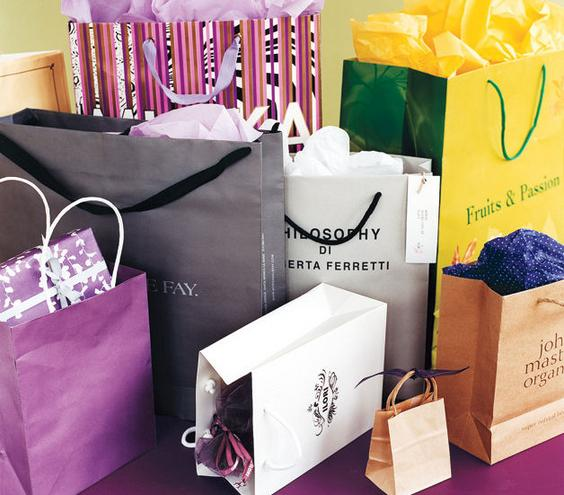 7 Money-Saving, Stress-Less Holiday Shopping Tips | Real Simple