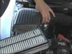 Basic Car Care & Maintenance : How to Replace a Car Air Filter – YouTube